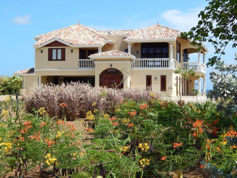 Curacao kura hulanda exclusive waterfront mansion with for Mansion with pool for sale