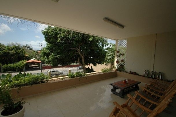 Snipweg: Centrally located villa for sale - 4 bedrooms and nice pool